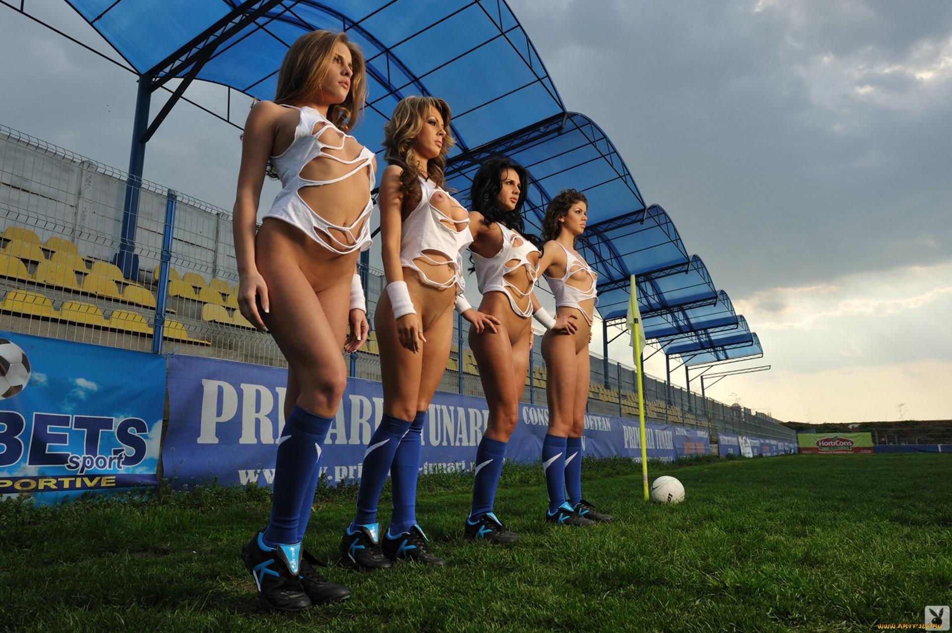 Трах на футбольном поле 18 фотография